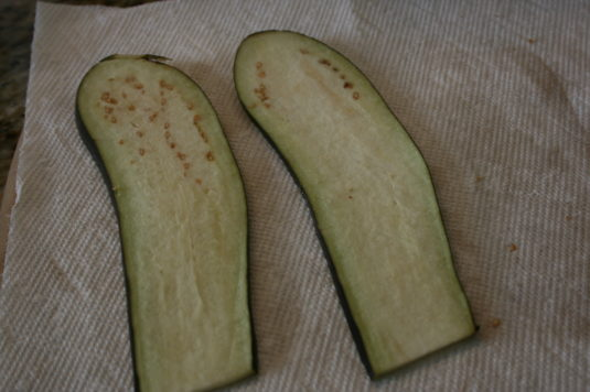 dry-eggplant-on-paper-towel